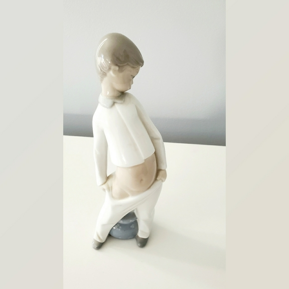 LLadro Little Boy In Pajamas with Chamber Pot